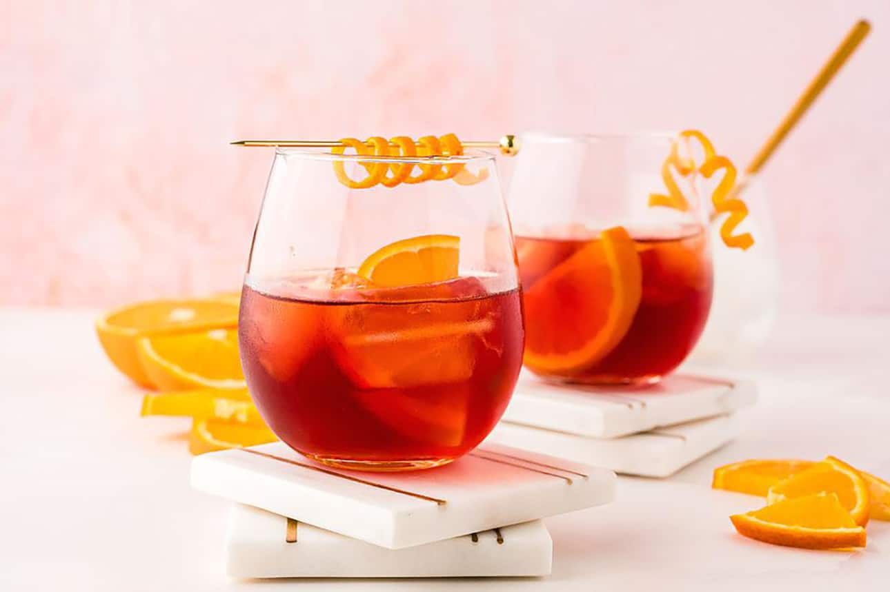 The Classic Negroni Cocktail by Xoxo Bella