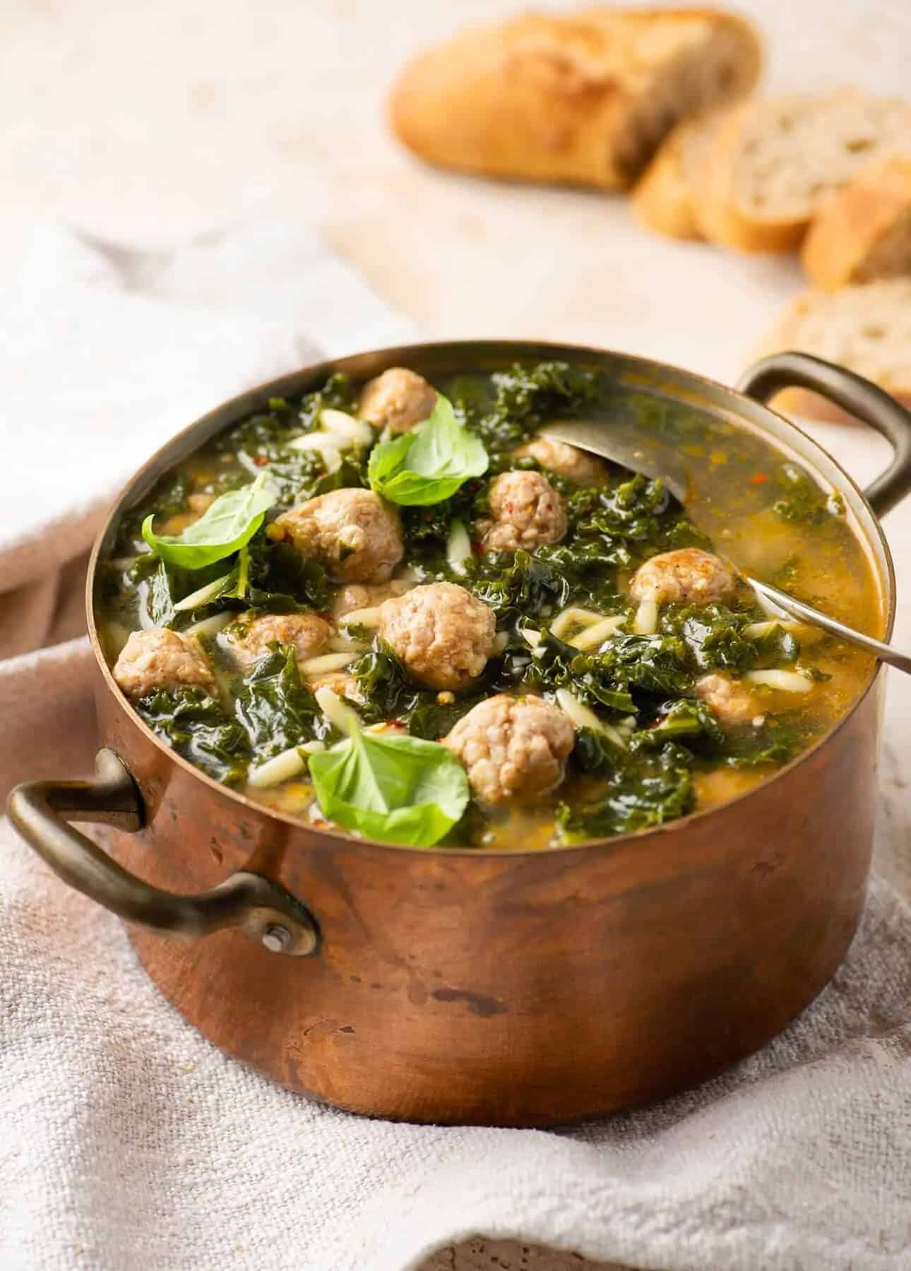 Italian Wedding Soup by Food Nouveau // 21 Easy Authentic Italian Pasta Dishes for Weeknight Dinners